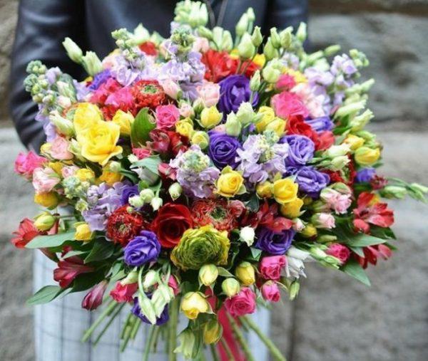 Доставка цветов по всей Одессе