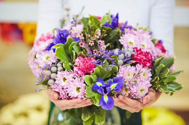 Свежие срезы живых цветов